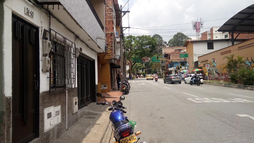 Casa-Local en Venta en Envigado - Barrio Mesa