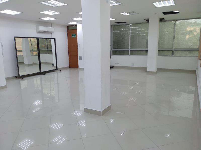 Oficina en Suramericana ,  Medellín,  203046