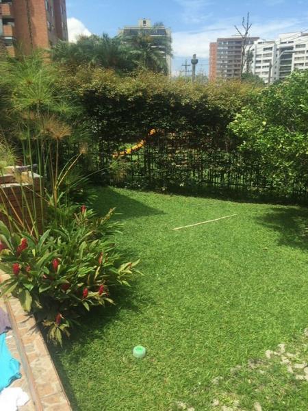 Casa en Venta en Medellin - Los Balsos
