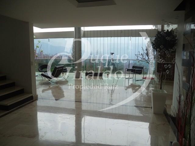 Casa en Venta en Medellin - Las Palmas
