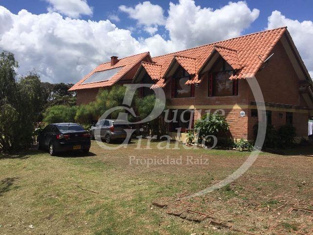 Casa en Venta en Envigado - Alto De Las Palmas