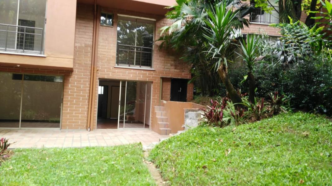 Casa en Arriendo en Medellin - El Poblado